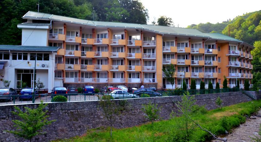 hotel-tismana-03