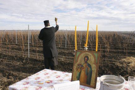 Parohii și biserici din Suceava au primit ILEGAL subvenții de la stat (Corupție și fraudă)