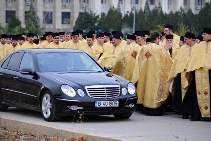 Avere în numele Domnului. BOR a strâns în visteriile sale peste 3 miliarde de euro!