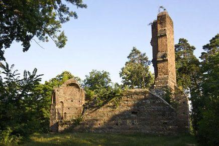 BOR construiește biserici de aur și lasă monumetele istorice în paragină