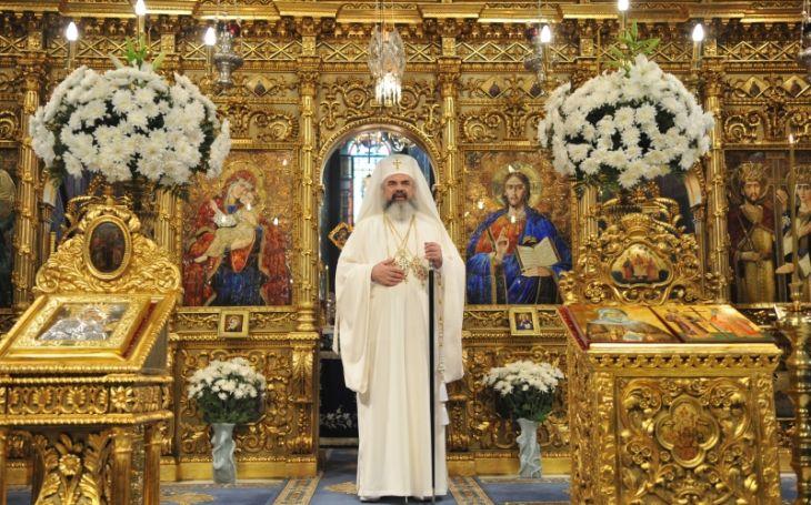 Preafericitul Daniel și crucile de aur