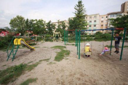 Hunedorenii se revoltă, nu vor biserică în parcul copiilor
