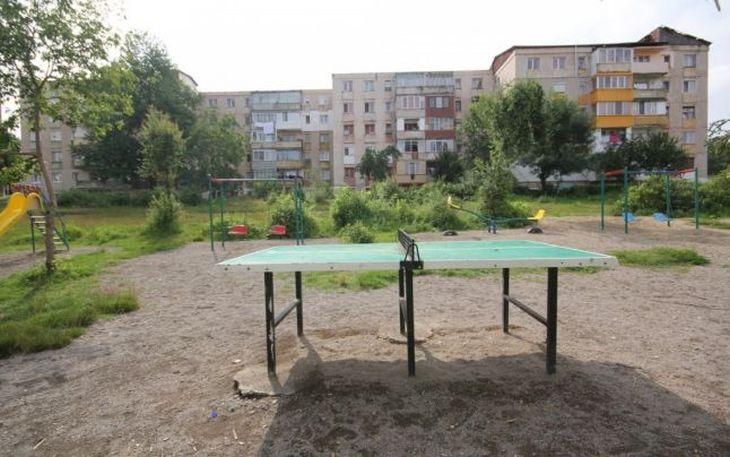 hunedorenii-se-revolta-nu-vor-biserica-in-parcul-copiilor-2